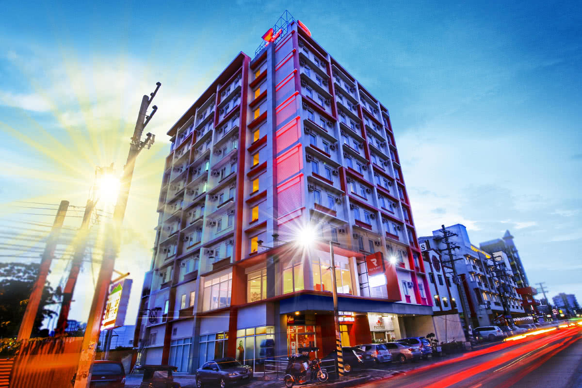 Red Planet Angeles City Budget Hotel Deals